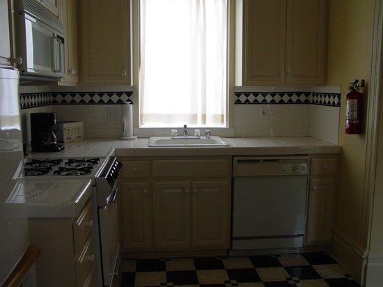 Healdsburg Inn - A Four Sisters Inn : Studio King Kitchen (eat in)
