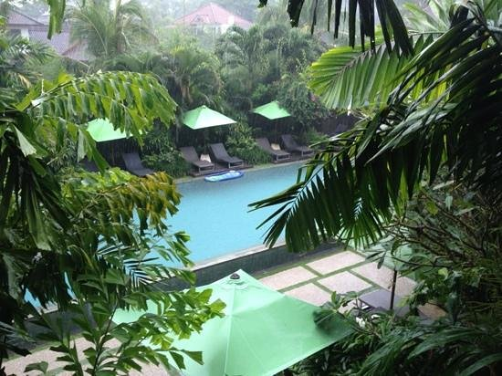 Cicada Luxury Townhouses: rainy day in Bali @ Cicada