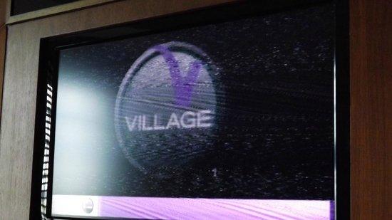 Village Hotel Manchester Ashton: Fuzzy TV on all channels