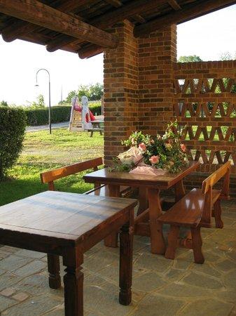 Cascina Ponchietta: Il portico