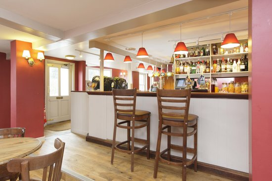 Halstead, UK: Our welcoming bar