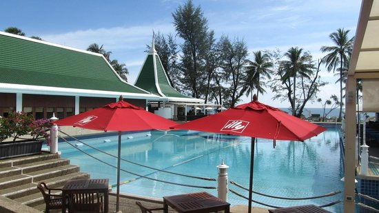 Le Meridien Phuket Beach Resort: One of the three swimming pools