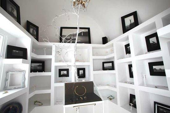 Mnemossyne Gallery : Inside!