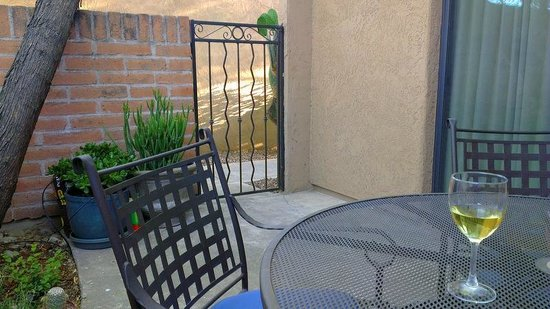 Photo of Riverside Suites Tucson