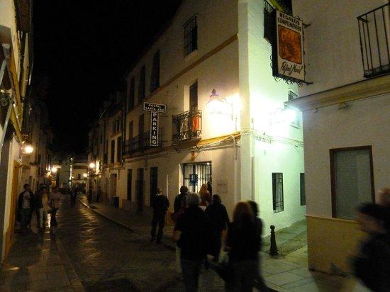 Santa Ana Hostal : Hotel am Abend