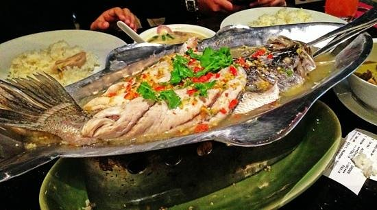 Amarin Heavenly Thai: steamed fish in lime, chilli & garlic sauce