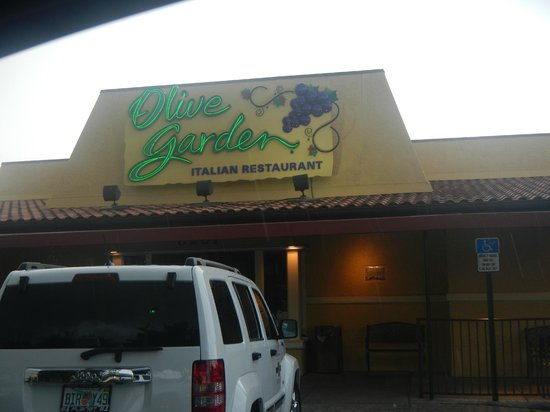 Create Your Own Pizza Four Toppings Picture Of Olive Garden Miami Tripadvisor
