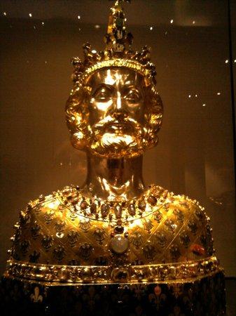 Treasury of Aachen Cathedral: BUSTO RELIQUIARIO DI CARLO MAGNO
