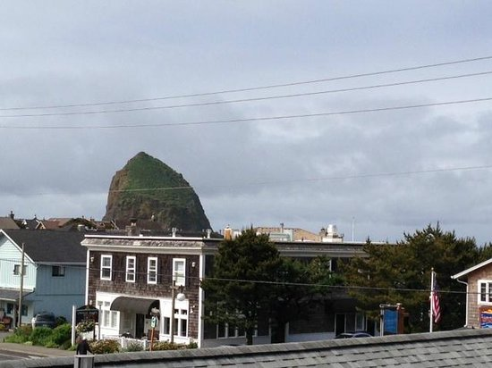 Sea Breeze Court: View of Haystack Rock