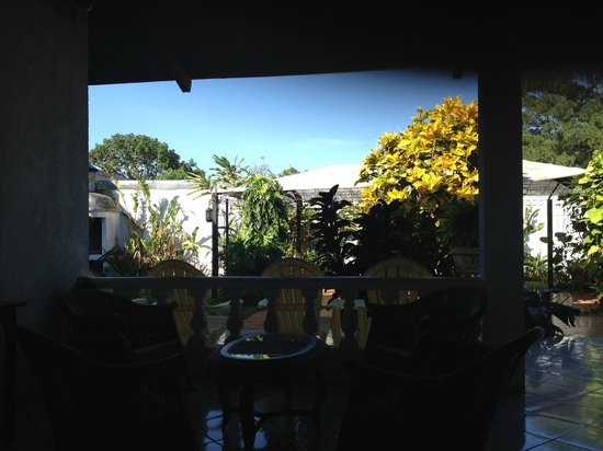 Hotel Casablanca: View of the garden from the Breakfast Dining Room