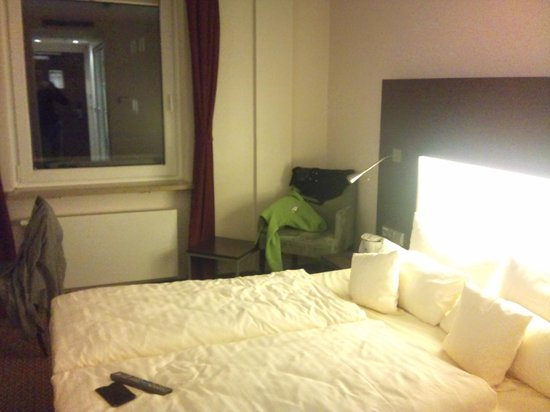 Leonardo Hotel Munchen City Center: Room (right flank)