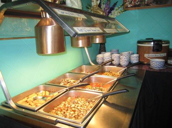 Juree's Thai Place Restaurant : อาหารไทยบุฟเฟ่