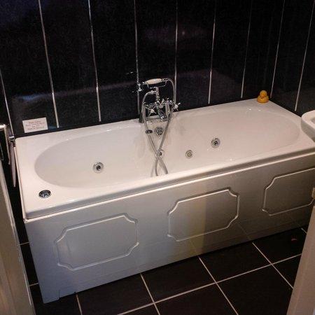 Wanslea Guesthouse: Spa bath