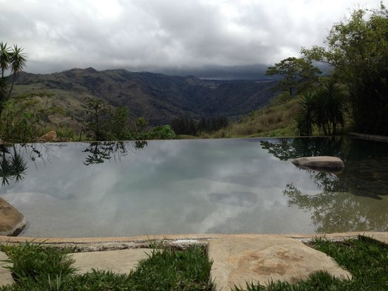 Cabins El Sol: Infinity pool