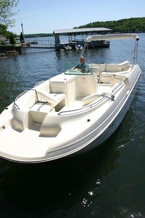 Adventure Boat Rentals: Bayliner Rendezvous
