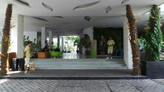EDEN Hotel Kuta Bali - Managed by Tauzia : Lobby