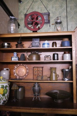The Historic Occidental Hotel & Saloon and The Virginian Restaurant: Old artifacts
