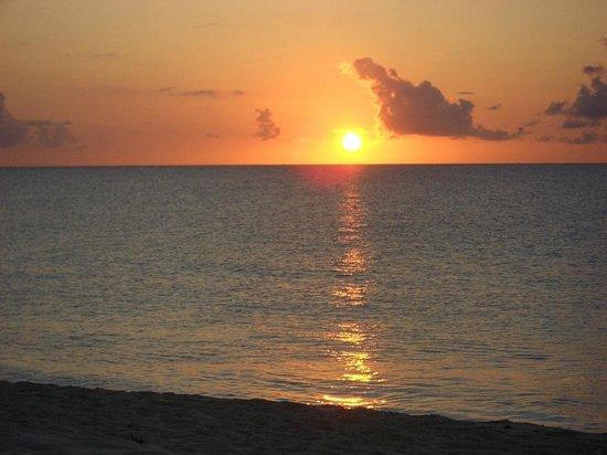 Meads Bay: Beautiful sunsets - most days