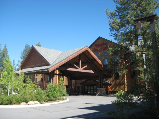 Hampton Inn & Suites Tahoe-Truckee : Hampton Inn entrance