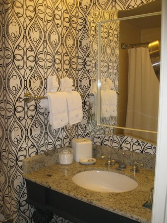 The Marker San Francisco, A Joie de Vivre Hotel: Bathroom