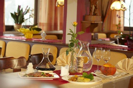 Hotel Pariente: Restaurant