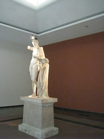 Hermes by Praxiteles, Museum of Olympia - Picture of ...