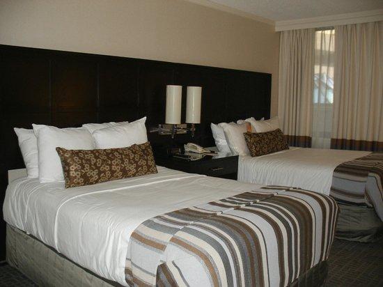 Washington Court Hotel: Our room