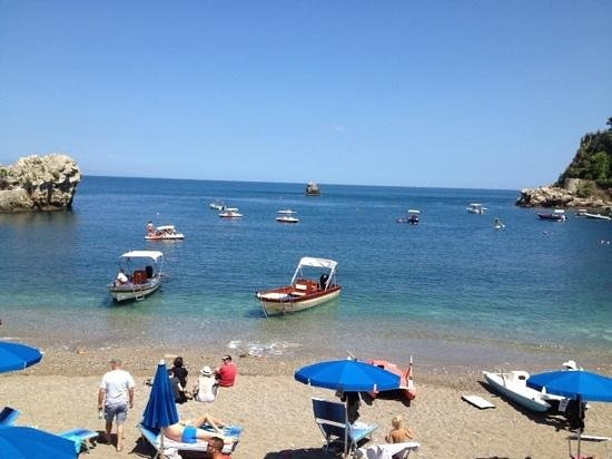 Spiaggia di Mazzeo : Mazzaro beach - get a boat trip from here round the bay.
