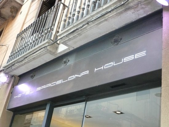 Hotel Barcelona House: Façade