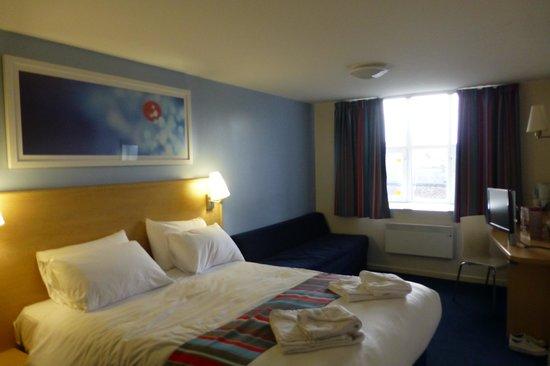 Travelodge Preston Central: Our room