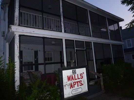 Walls Apartments: Walls' Apts La Suzanne 2013