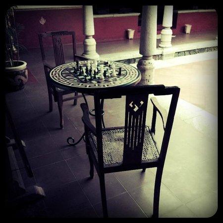 Angana Country Inn: chess anyone?