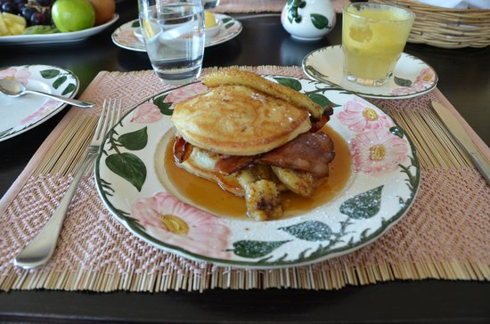 Tiritiri Lodge: An unbelievably delicious breakfast, made to order.