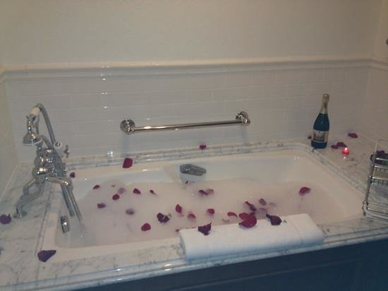 The Lodge at Sea Island: Rose petal bubble bath drawn by room butler.