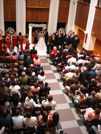 Jefferson Center: Fralin Atrium, Wedding Day