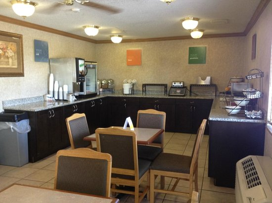 Comfort Inn : Breakfast Room