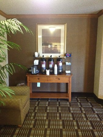Comfort Inn : 24 Hour Coffee & Tea Center / Lobby