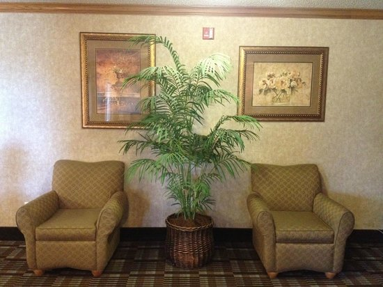 Comfort Inn : Lobby Seating