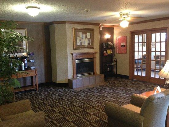 Comfort Inn: Lobby View 1
