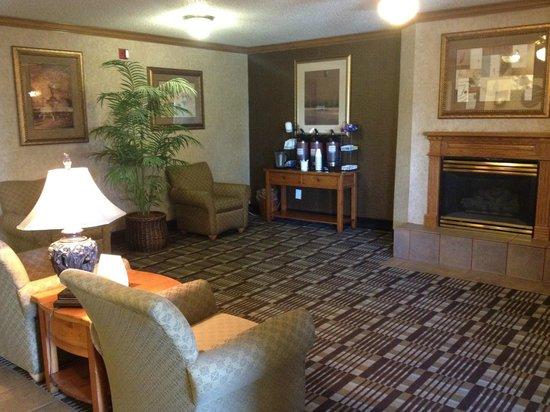 Comfort Inn: Lobby View 2
