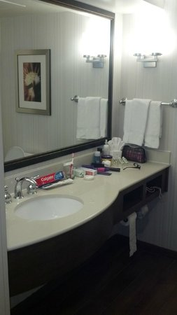 Hilton Garden Inn Raleigh-Durham/Research Triangle Park: After I unpacked all my lady neccessities