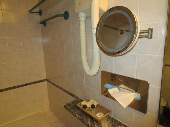 Hotel Morandi Alla Crocetta: salle de bain