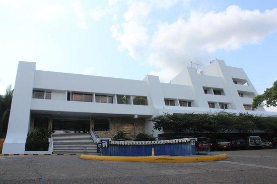Hotel Almirante: Aspecto del frente del hotel