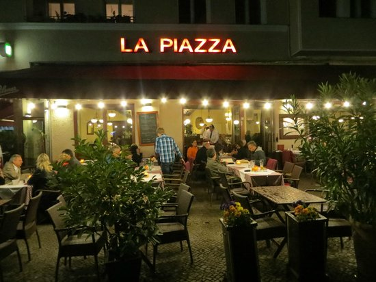 La Piazza: looking from the Platz