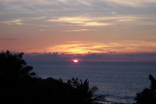 Gites Mangoplaya: coucher de soleil sur deshaies