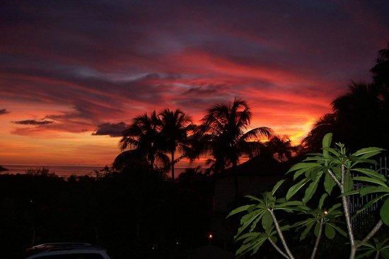 Gites Mangoplaya: coucher de soleil