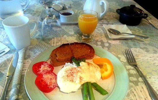 The Stella Rose B&B: Breakfast is served!