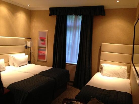 Park Grand London Hyde Park: bedroom for 3