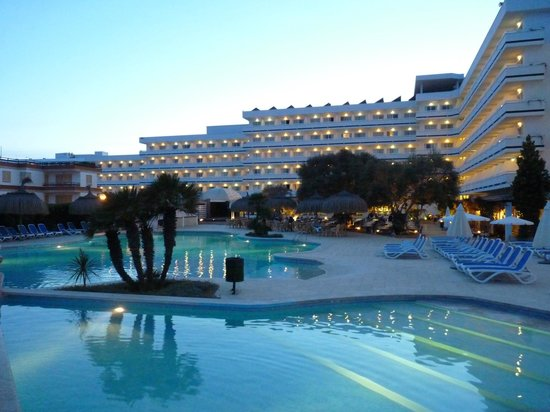 Hotel Condesa de la Bahia: Piscinas