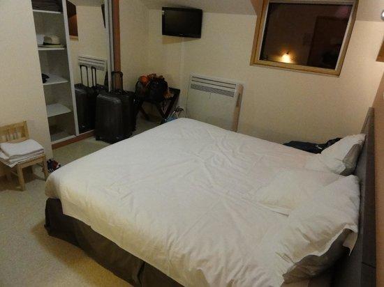 Le Rale Des Genets: Bedroom